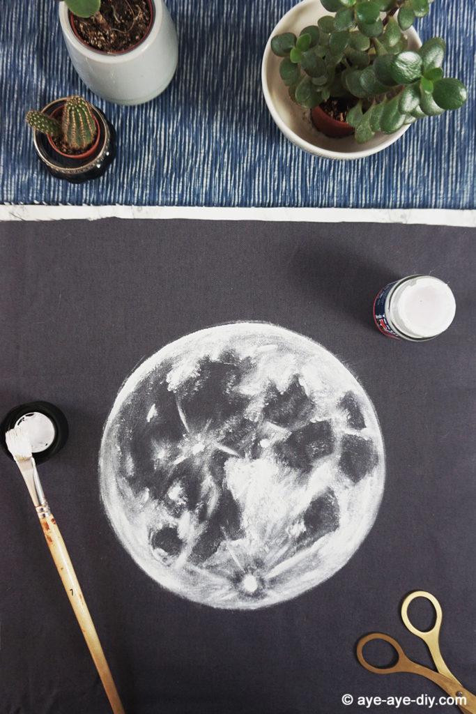 Mondbild auf Stoff malen