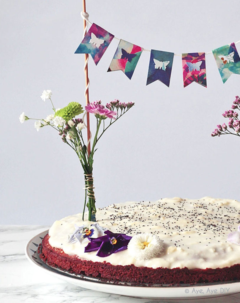 Wimpelkette auf Kuchen Dekoration