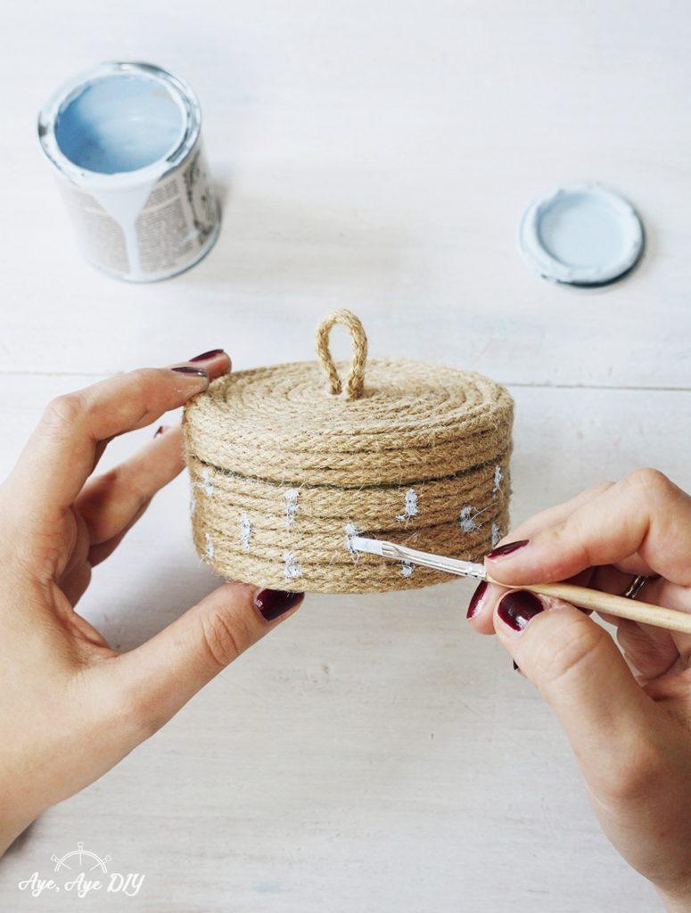 Schritt 5: DIY Anleitung Upcycling Dosen mit Seil Boho Korb