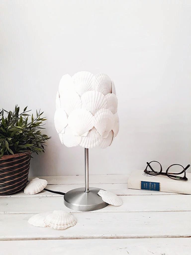 Maritime Muschel Lampe maritime Deko DIY IKEA Hack Upcycling
