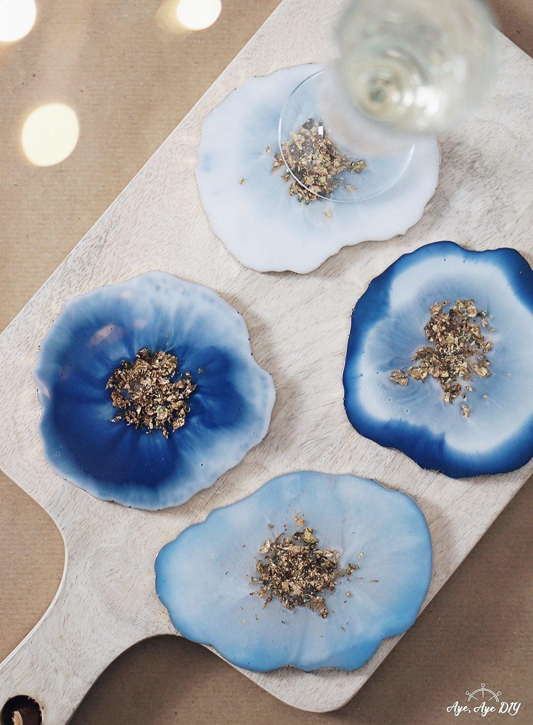 Blaue Geoden mit Goldrand