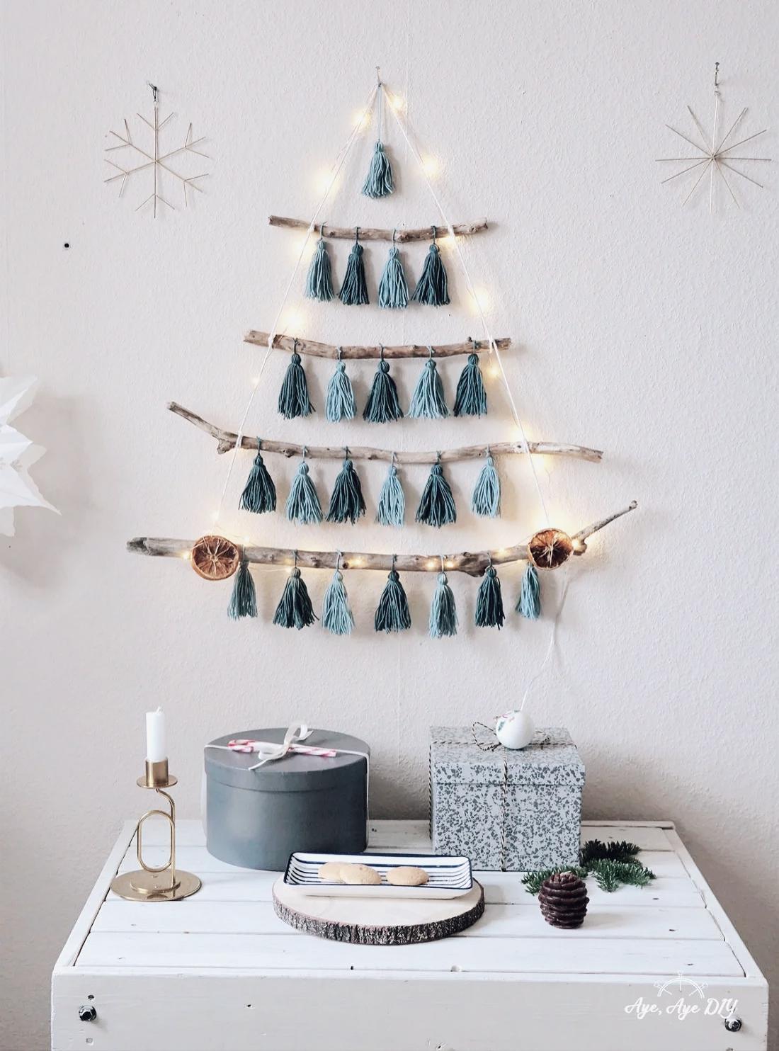 Weihnachtsbaum Alternative: DIY Weihnachtsbaum aus Ästen basteln