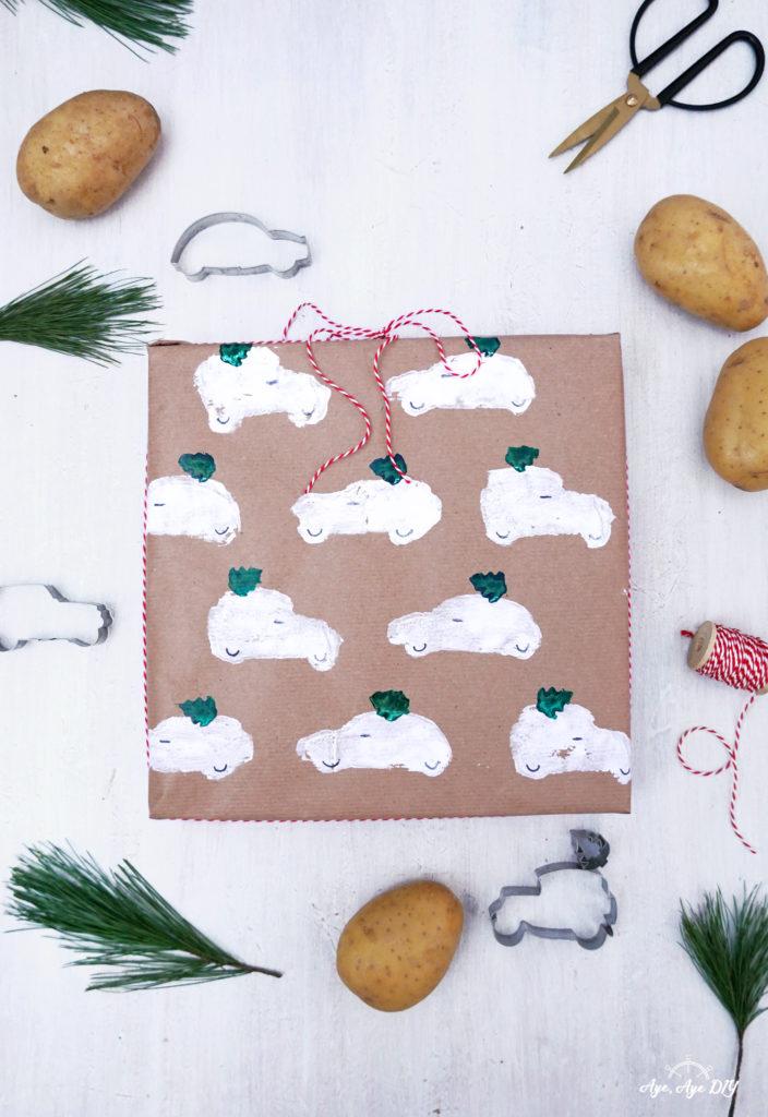 Geschenkpapier bestempeln mit Kartoffeldruck