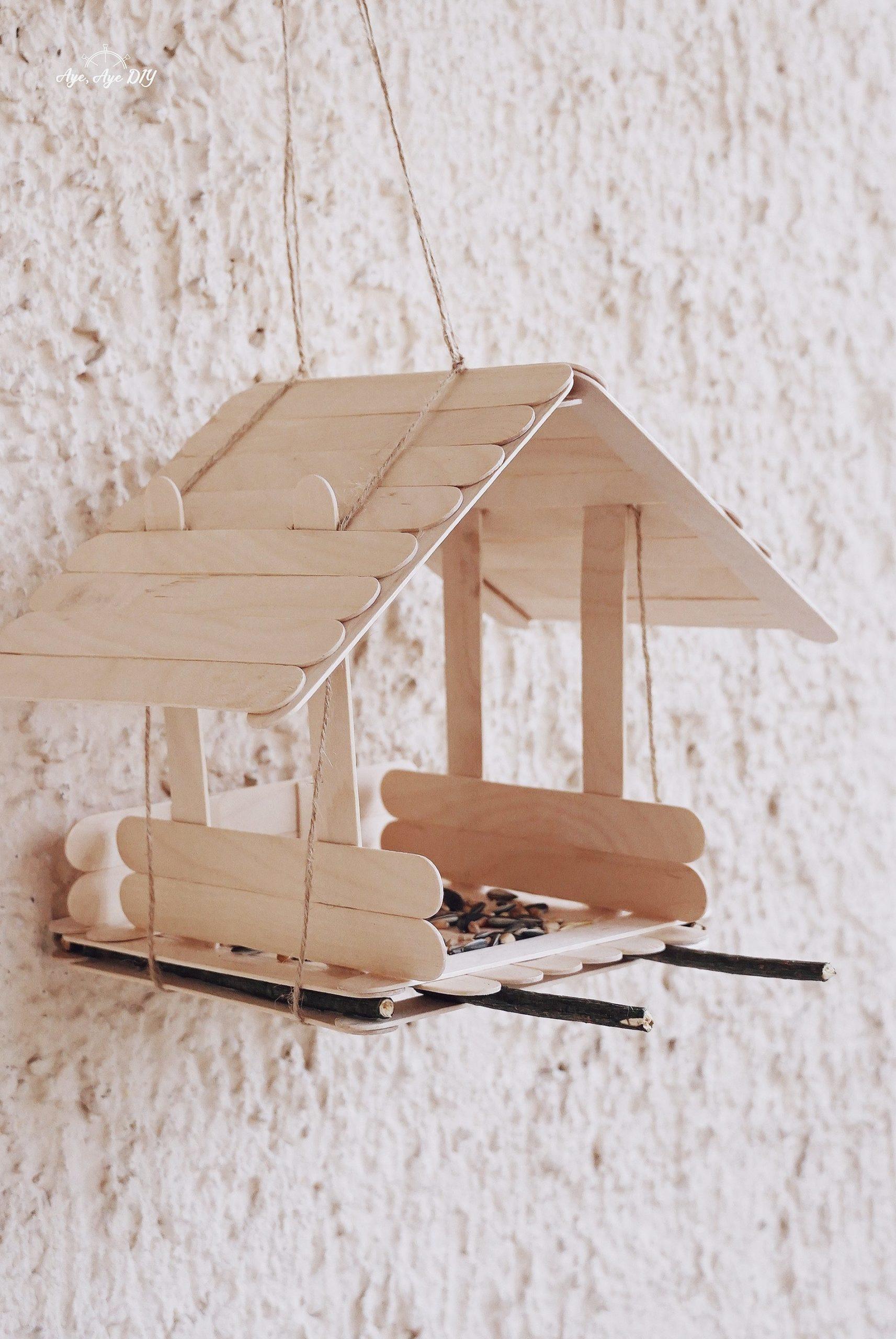 Vogelhaus selber bauen einfache Anleitung zum Aufhängen - DIY Vogelhaus Ergebnis
