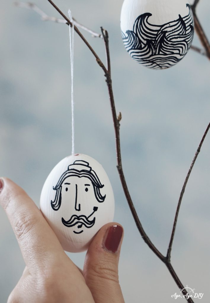 Line Art Ostereier hängend am Osterstrauß