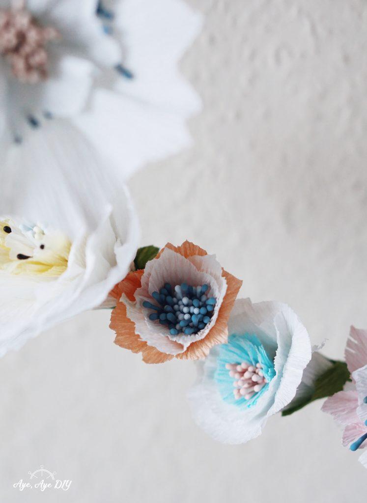 Blumen aus Papier basteln mit Krepppapier