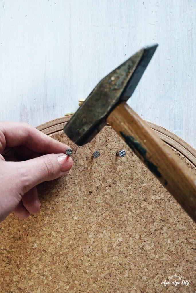 DIY Anleitung Garnrollenhalter Wand selber machen