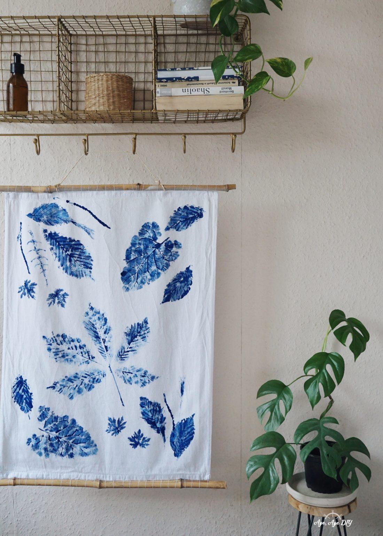 Blätterdruck Anleitung auf Stoff: DIY Wandbehang